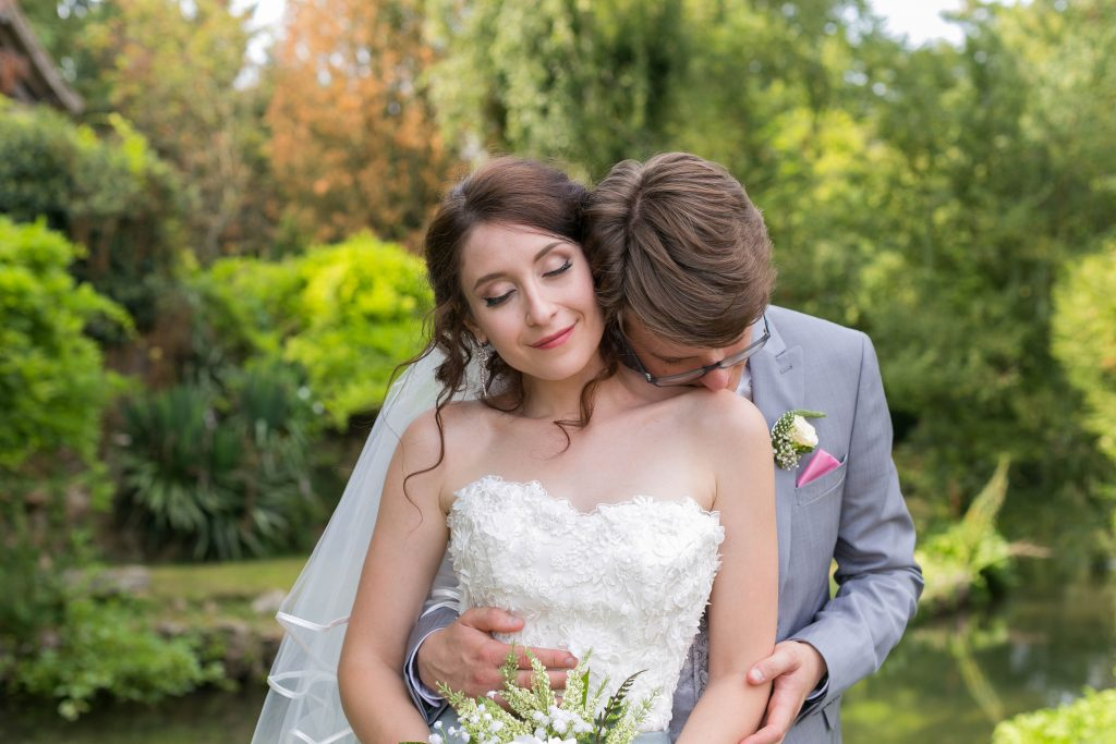 photo de couple-mariage-naturel-mariés