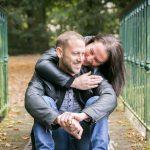 seance engagement-couple-avant mariage-photographe eure et loir- mariage-parc-automne