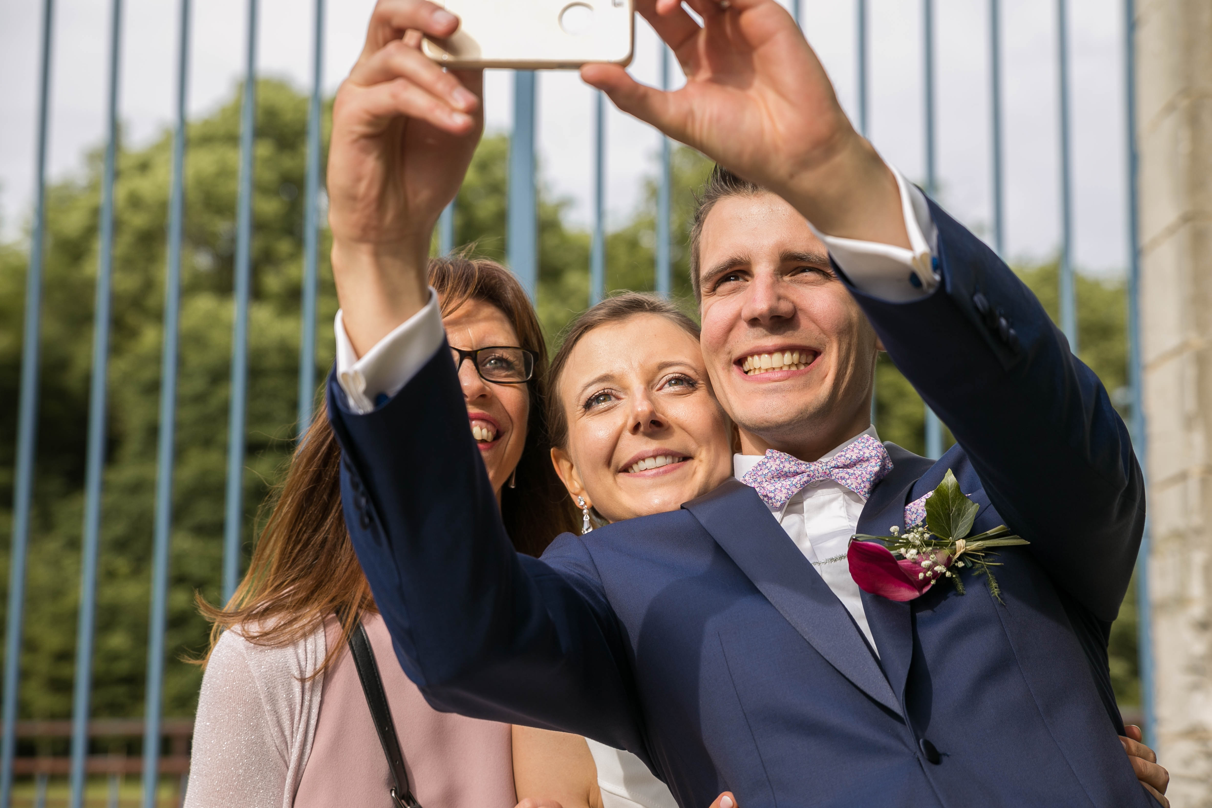 Mariage au chateau de rebreuve ranchicourt-nord pas de calais-Nord-selfie mariés