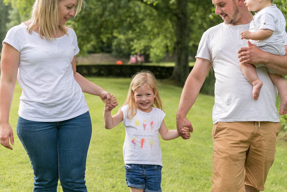 Séance famille en extérieur - séance photo - photo de famille