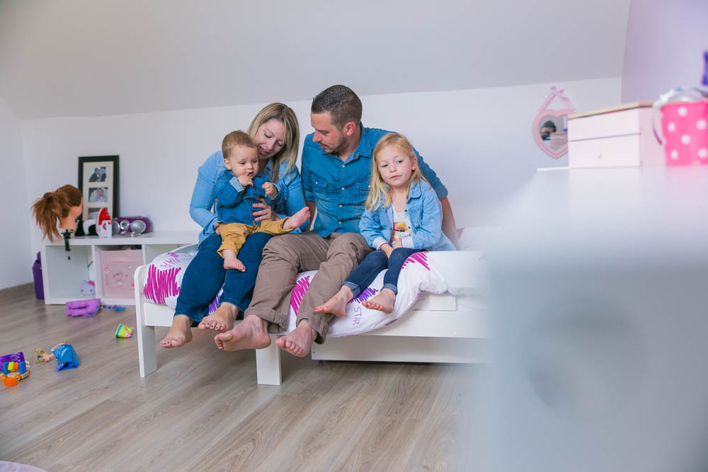 seance famille à la maison - séance photo - famille - en intérieur - shooting photo a domicile - verneuil sur avre - photographe - naturel