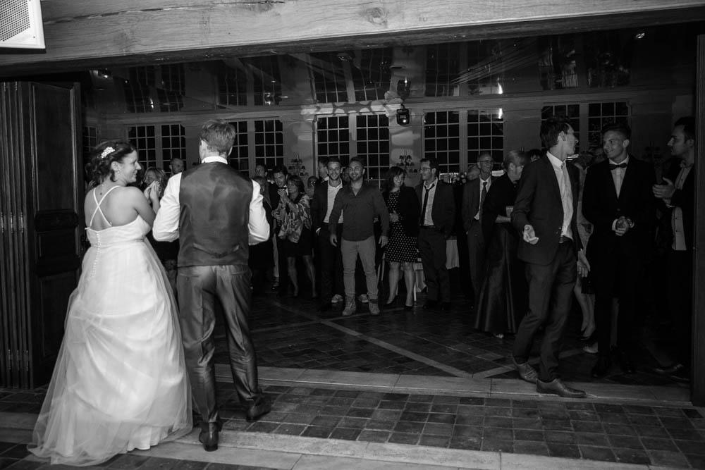 mariage au Domaine des Clos Vallées - enceinte - Yvelines - magicien - colombes - cocktail - vin d'honneur - première danse- ouverture de bal