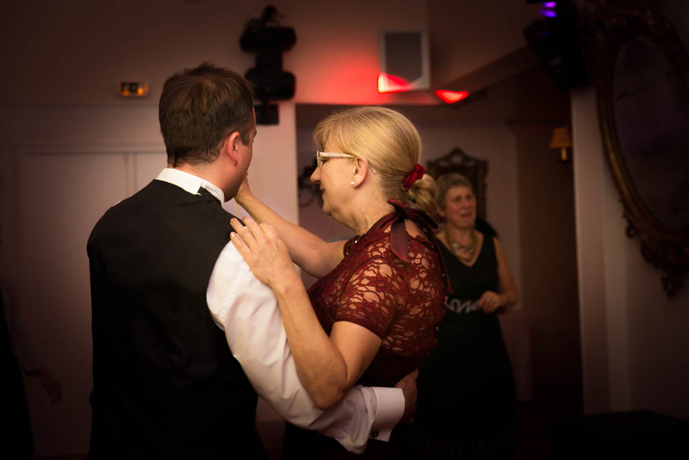 mariage au Domaine des Clos Vallées - enceinte - Yvelines - magicien - colombes - cocktail - vin d'honneur - première danse- ouverture de bal - dancefloor