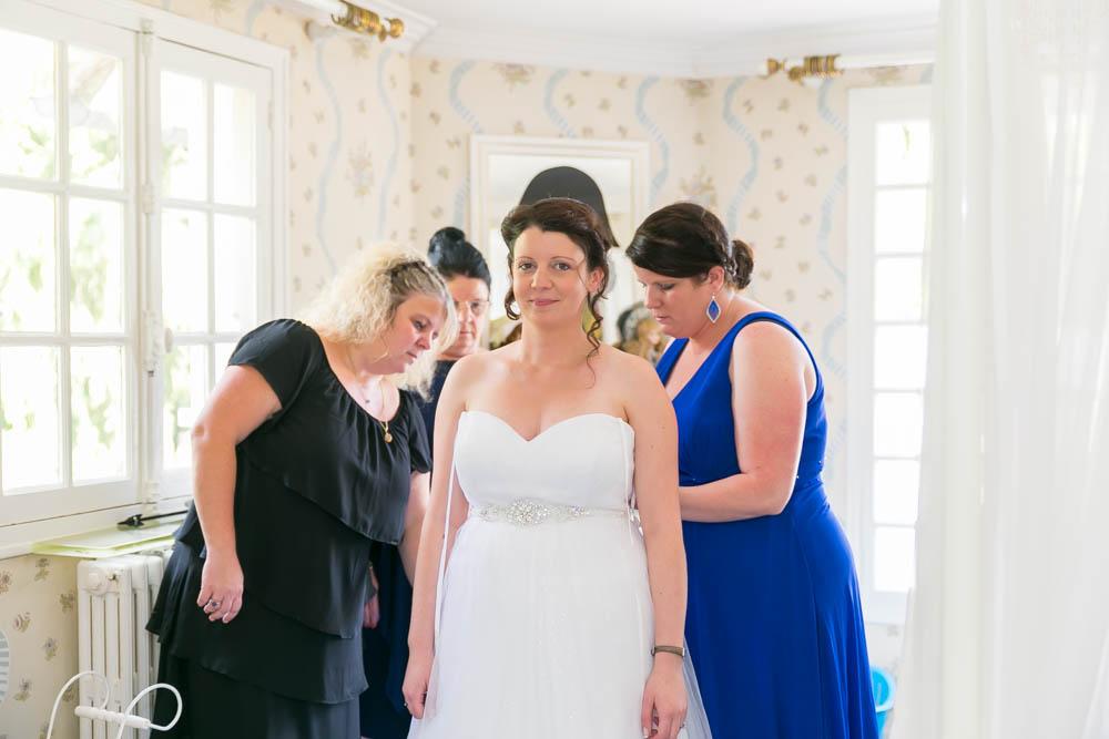 mariage au Domaine des Clos Vallées - enceinte - Yvelines - magicien - colombes - préparatifs des mariés - bouquet de mariée