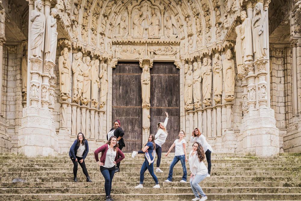 cathedrale de chartres - EVJF - eure et loir - groupe de copines - mariage - photographe evjf chartres