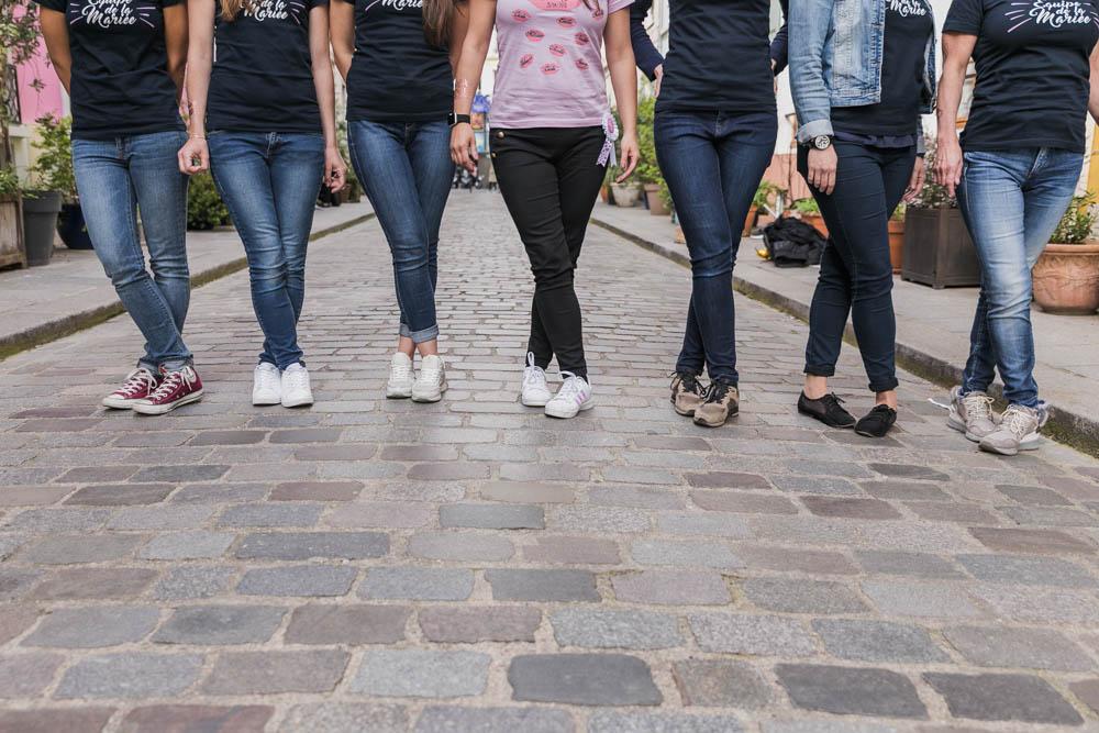 jambes des filles - rue - EVJF - Paris - pavés