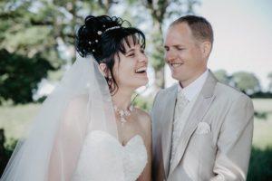 mariage en mayenne - gite la brochellerie - mariage champetre - photo de couple