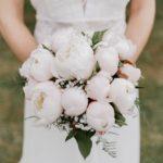 pivoines - bouquet de la mariee - photographe mariage eure et loir - mariage champetre
