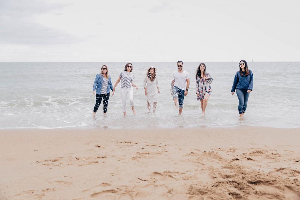photographe evjf - plage de cabourg - shooting evjf sur la plage - evjf en normandie
