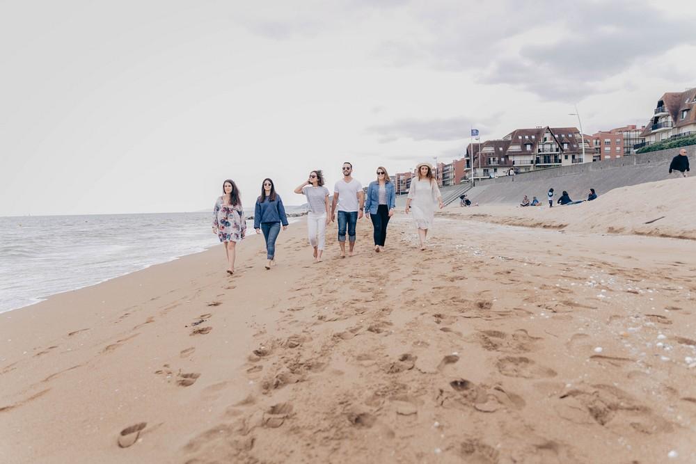 plage de cabourg - photographe de mariage en normandie - evjf sur la cote normande