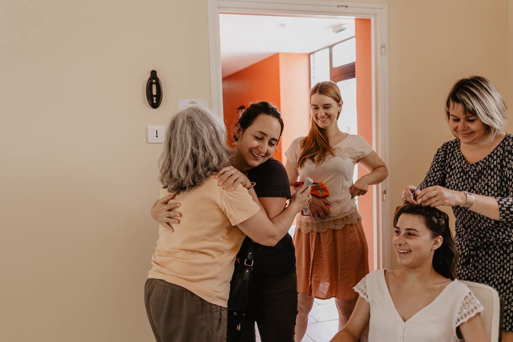 preparatifs de la mariee - coiffure - mariage a la campagne - eure et loir - mariage champetre