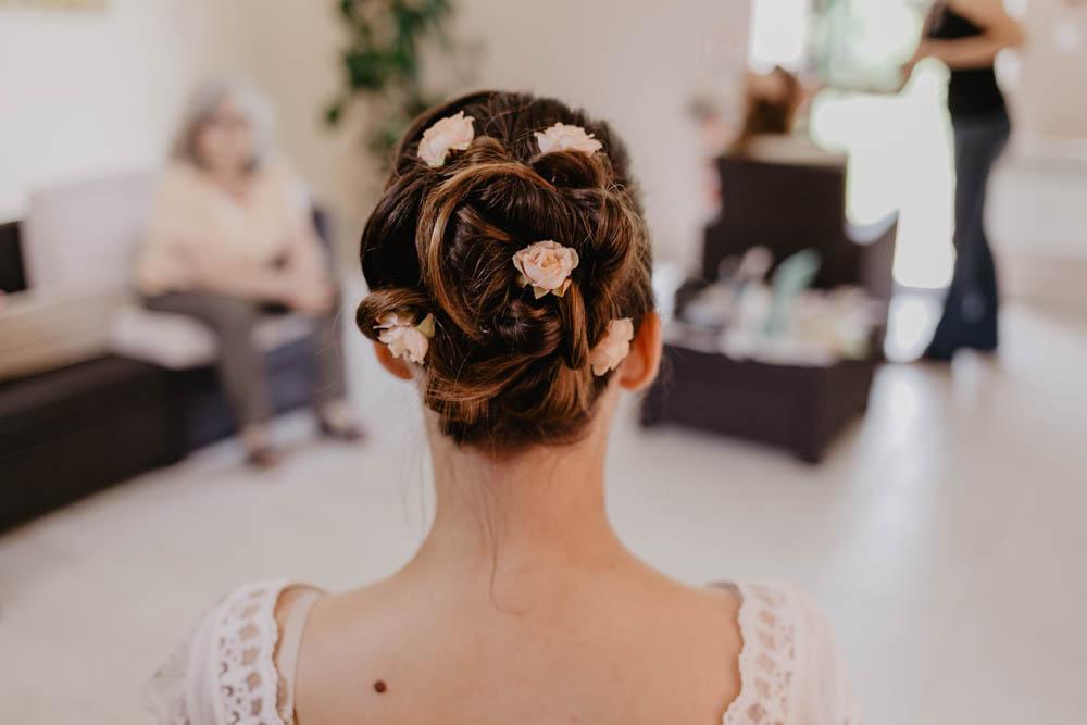 coiffure champetre - mariage champetre - boheme - fleurs dans les cheveux