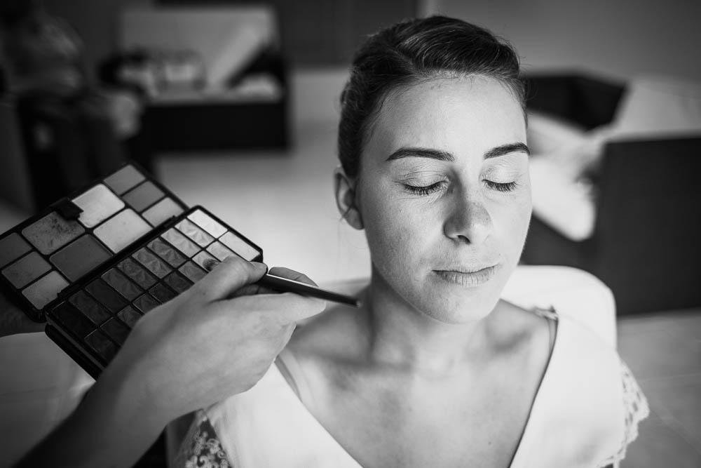 maquillage de la mariee - photographe mariage - eure et loir - chartres - yvelines - perche - paris