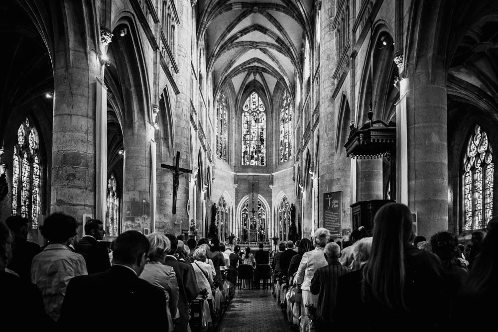 eglise st michel à pont l'eveque - mariage dans le calvados - mariage champetre en normandie - mariage boheme - photographe mariage dans l'eure