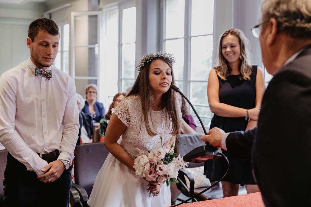 ils se sont dit oui - mairie de pont l'eveque - mariage en normandie - photographe mariage calvados