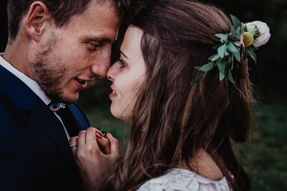 mariage boheme - champetre - chic - photographe mariage eure - evreux - eure et loir - chartres - photos de couple naturelles