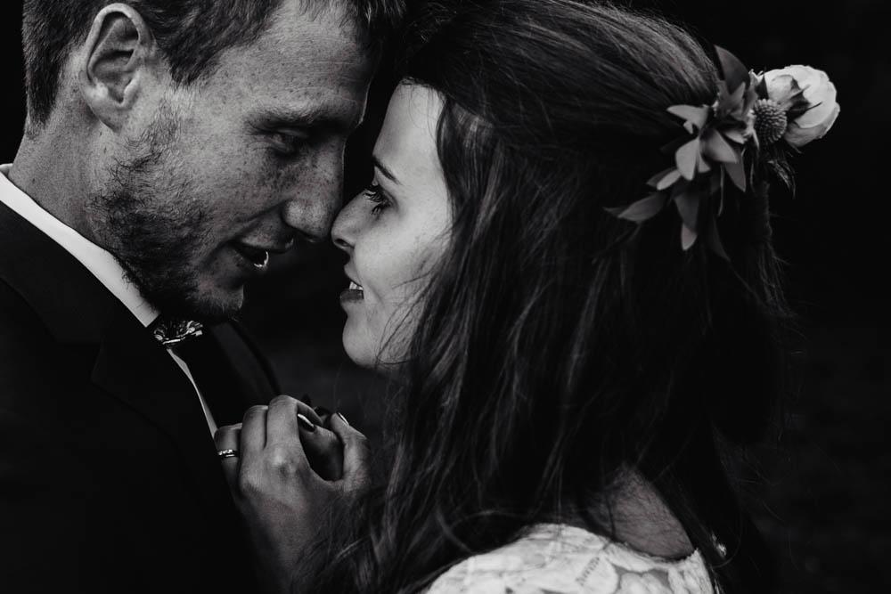 photographe mariage - couple amoureux - jeunes mariés - amour - oui - normandie - champetre - boheme