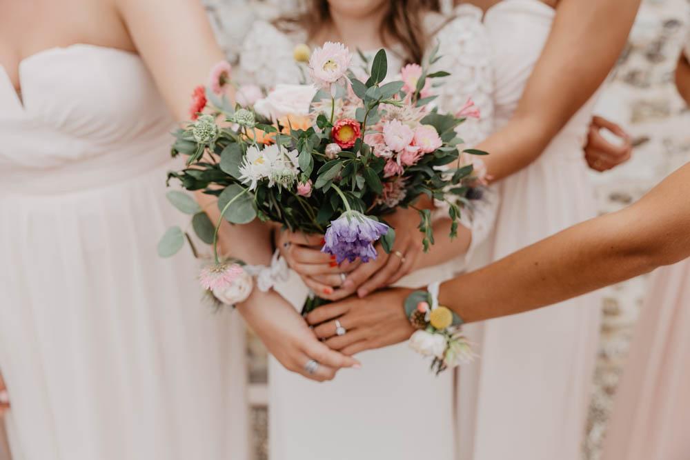 bouquet de la mariée - demoiselles d'honneur - photographe mariage evreux - rouen - mariage champetre en normandie - mariage boheme