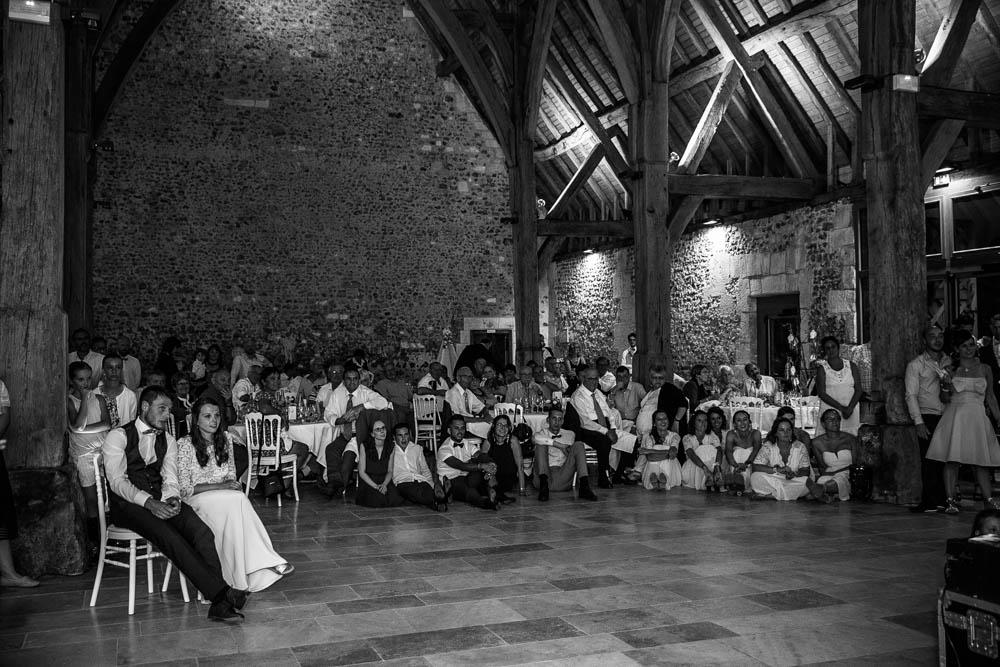 grange de renneville - soirée animée - retroprojecteur - photographe mariage evreux