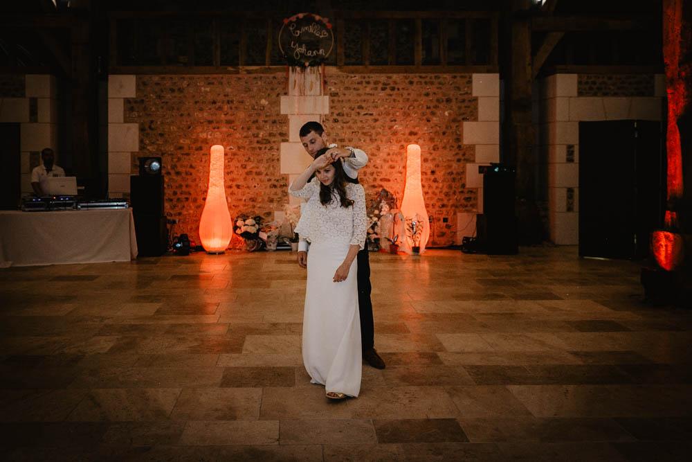 1ere danse - mariés - soirée de mariage - photographe eure - evreux - robe laure de sagazan