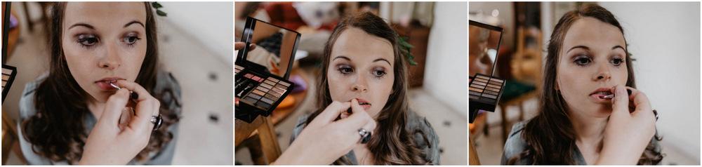 la mariée se fait maquiller - mariage champetre - normandie - photographe mariage eure et loir - eure - les préparatifs de la mariée