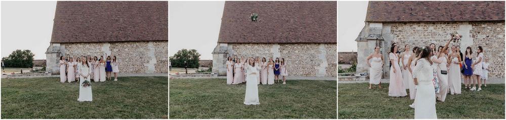 lancer de bouquet - la mariée - demoiselles d'honneur - filles célibataires - grange de renneville - mariage champetre