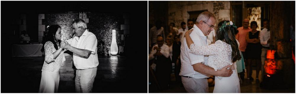 ouverture de bal - mariée danse avec son pere - pere et fille - soirée de mariage - photographe eure