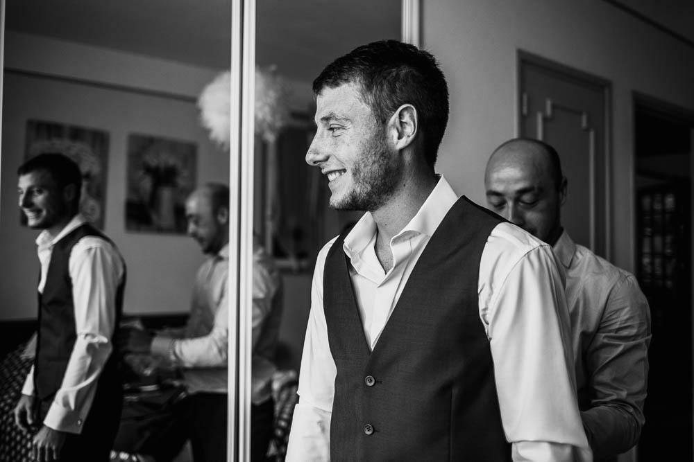 préparatifs du marié - mariage en Normandie - photographe mariage dans l'eure