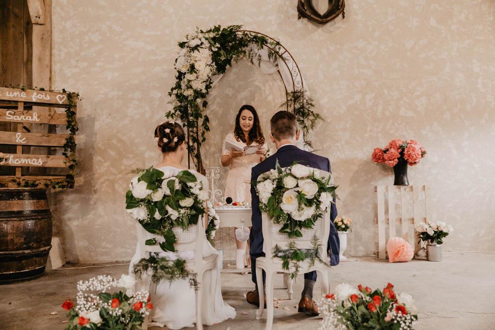 officiante - ceremonie laique - champetre - grange - eure et loir - photographe mariage yvelines