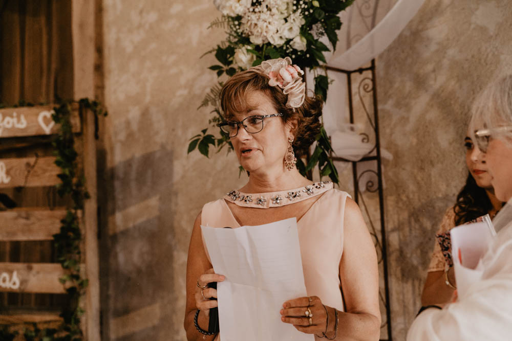 maman - discours - ceremonie laique - champetre - wood - fleur - photographe mariage