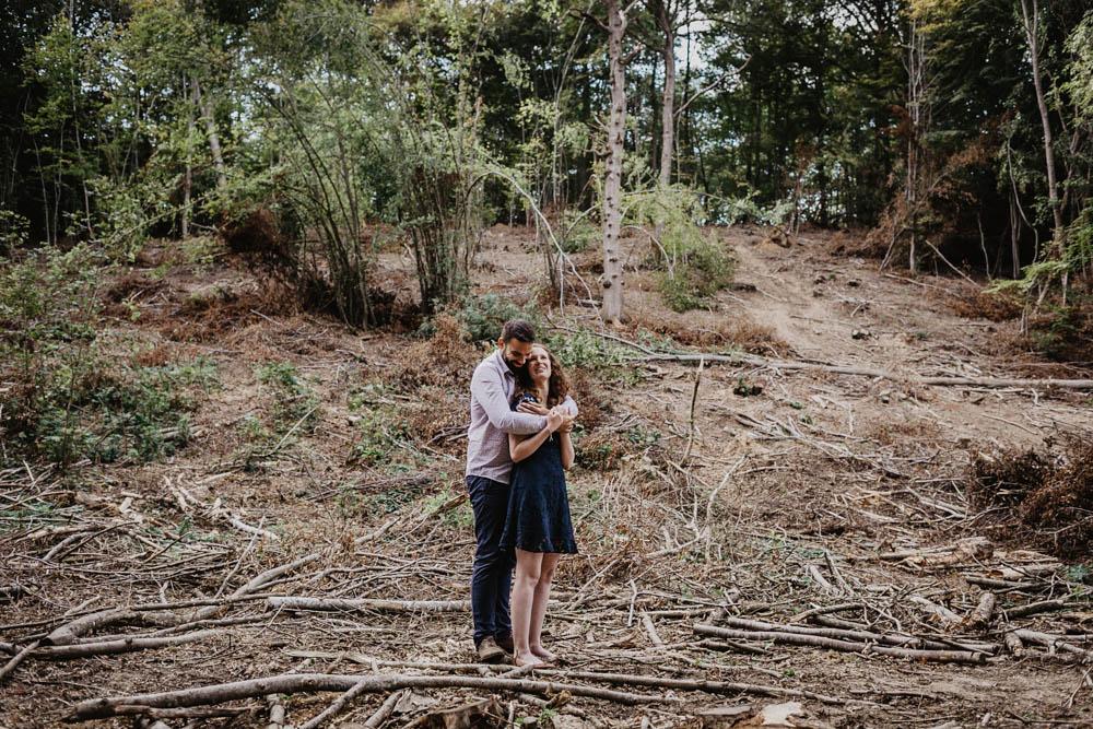 une seance engagement - foret - nature - mariage - photographe - orne - yvelines