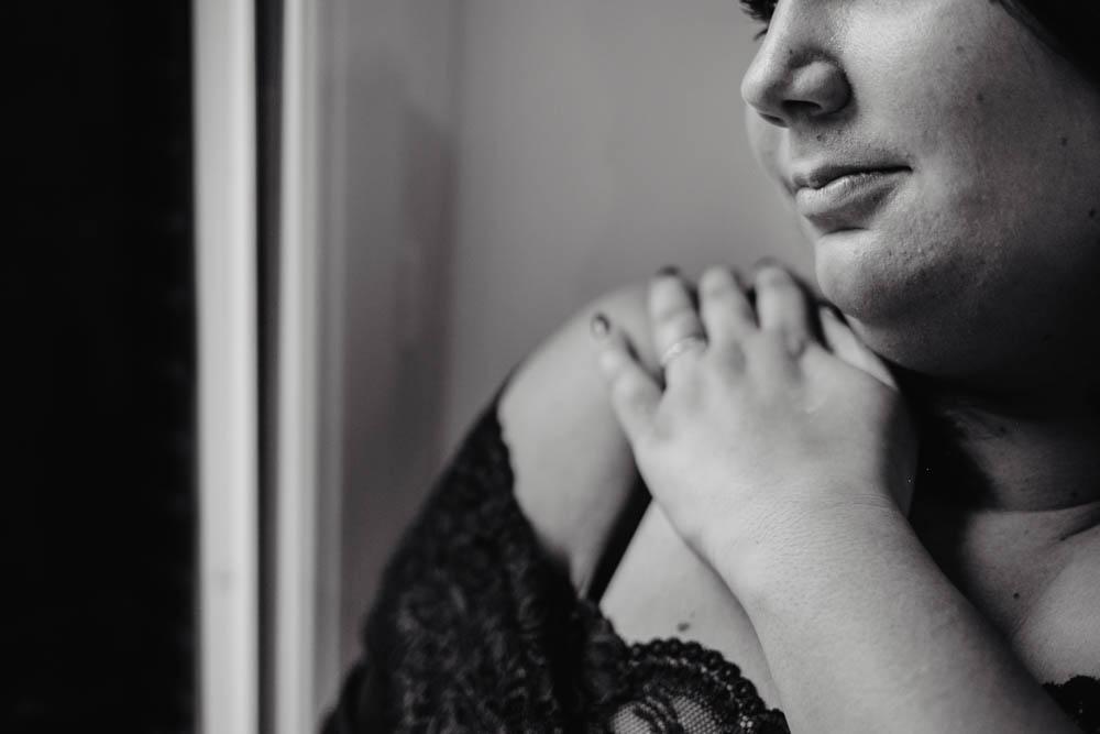 photographe orne - portraits en noir et blanc - femmes - sublimer les femmes - rondes