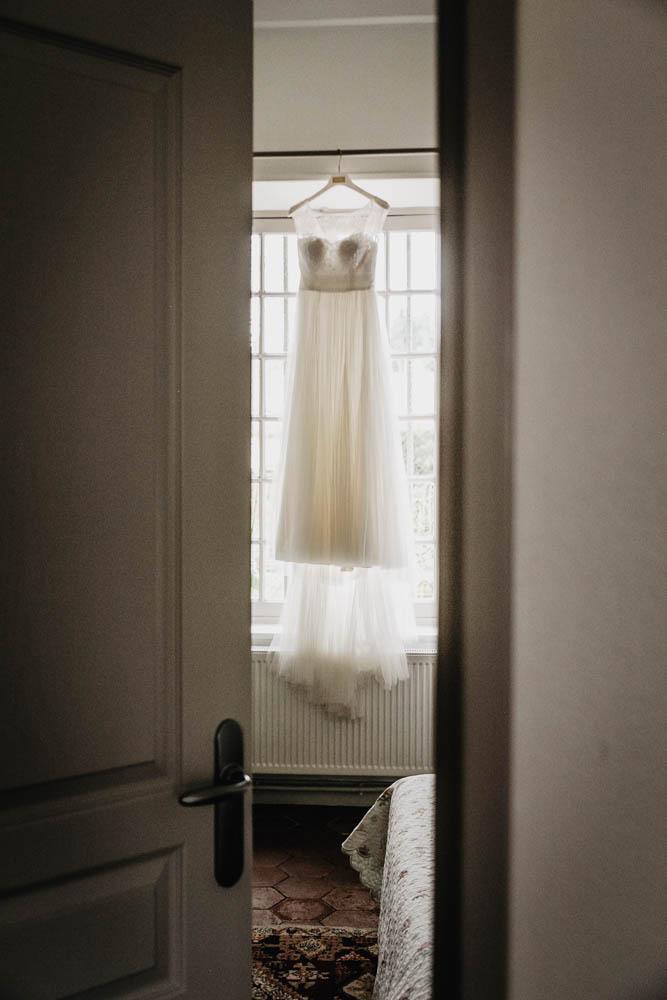 manoir de vacherres - preparatifs de la mariee - robe de mariee - photographe mariage