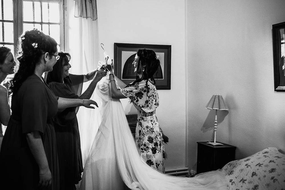 photographe - robe de mariee - aire barcelona - soeurs - manoir de vacheresses - boheme