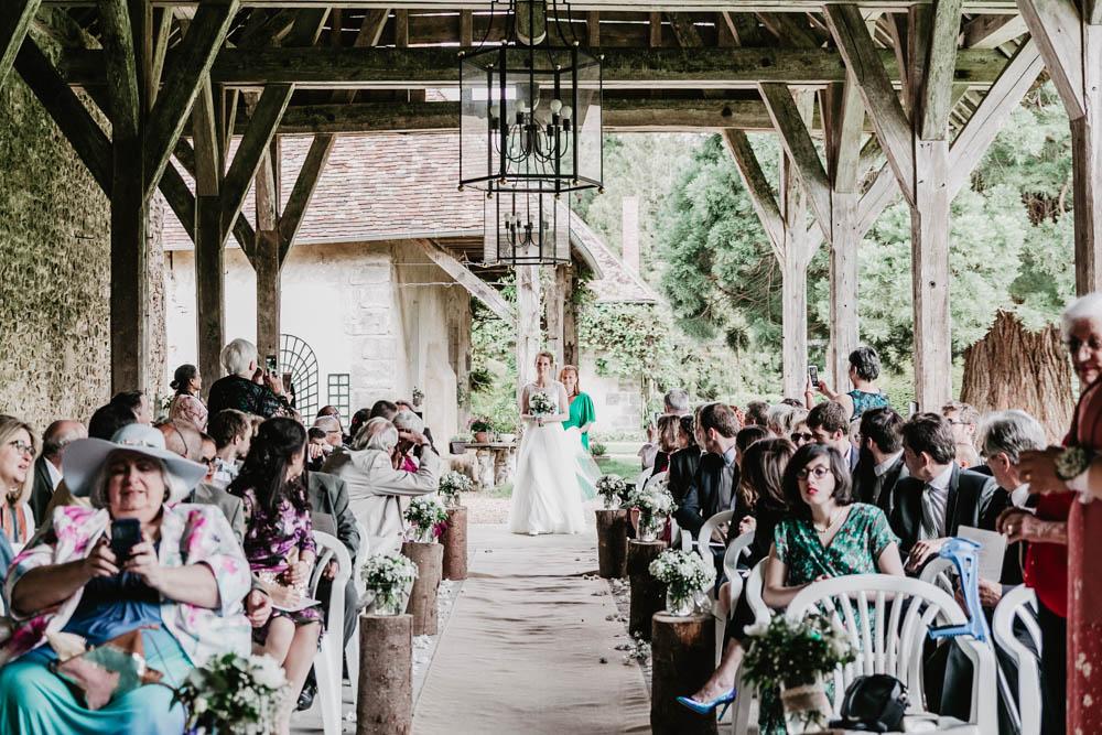 arrivee de la mariee - ceremonie laique - manoir de vacheresses - photographe en eure et loir - mariage champetre