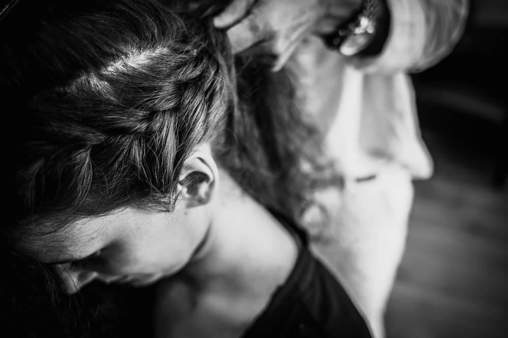 natte - tresse - cheveux - coiffure - mariee - mariage au manoir de vacheresses - champetre