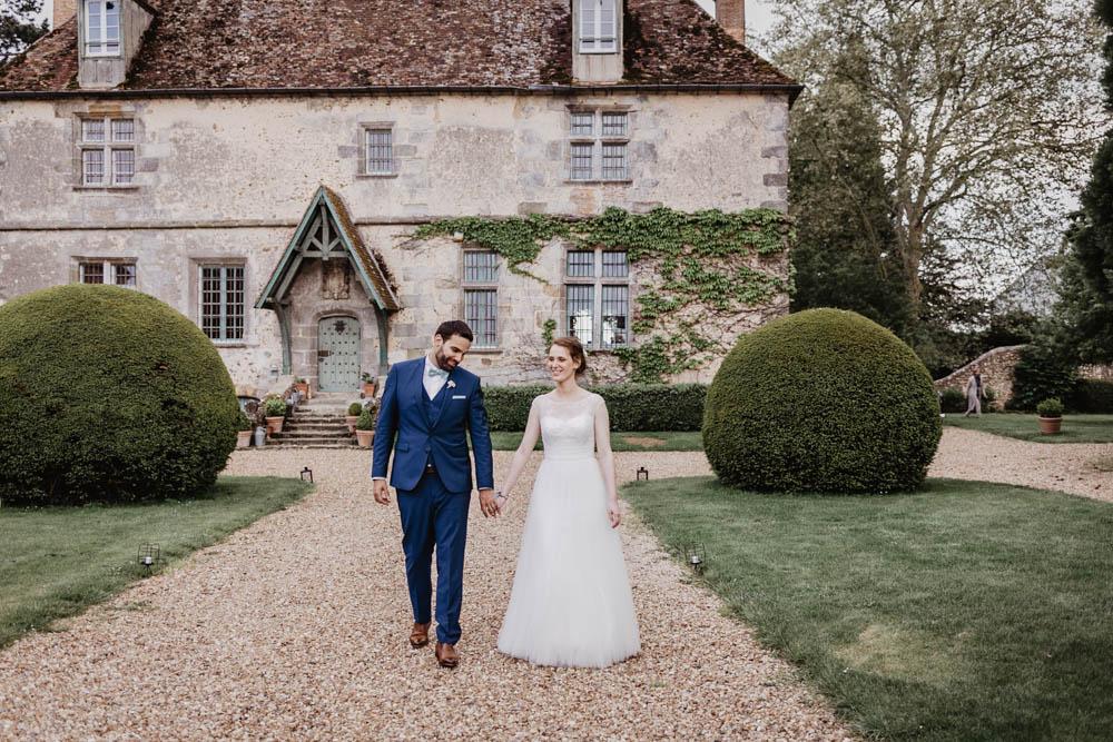 photos de couple naturelles - mariage au manoir de vacheresses - photographe eure et loir - photos naturelles - lumineuses