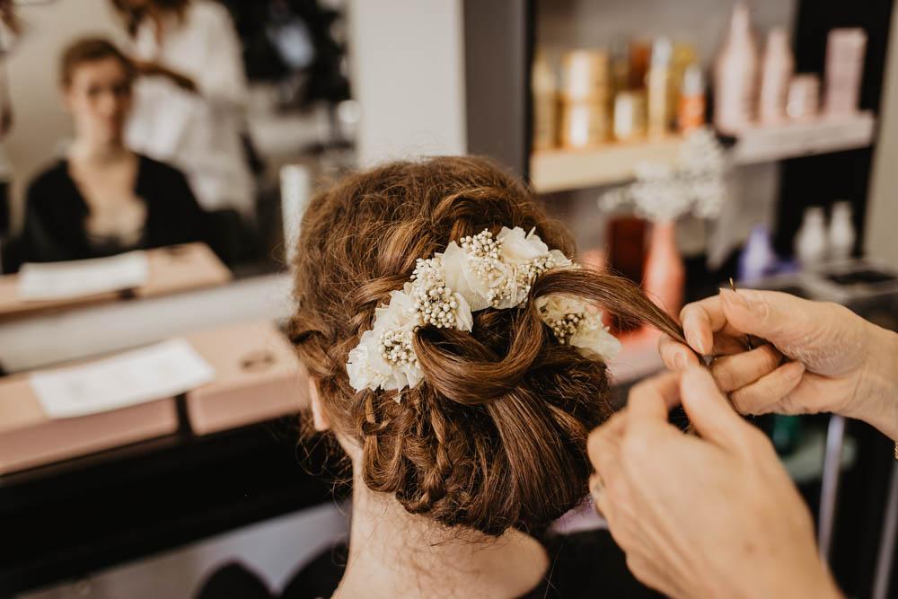 mariee boheme - champetre - couronnes de victoire - tresses avec des fleurs - nattes dans les cheveux - mariage eure et loir