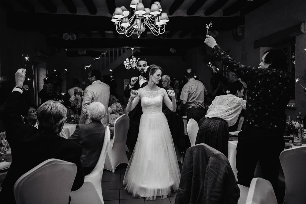 noir et blanc - entree des maries - salle de reception - manoir de vacheresses - eure et loir photographe