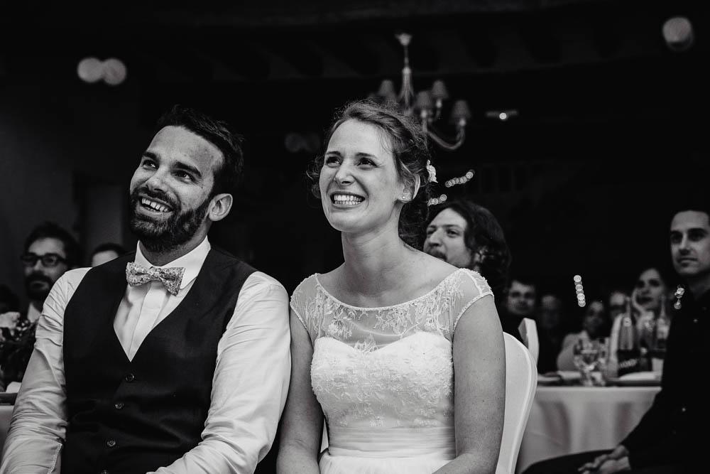 soiree de mariage - photographe eure et loir - manoir de vacheresses - salle de reception - noir et blanc