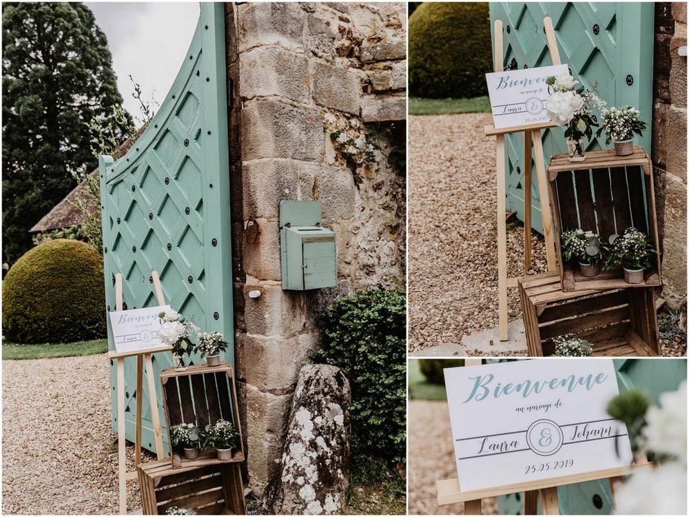 portes du manoir - manoir de vacheresses - caisses en bois anciennes - photographe mariages champetres en eure et loir