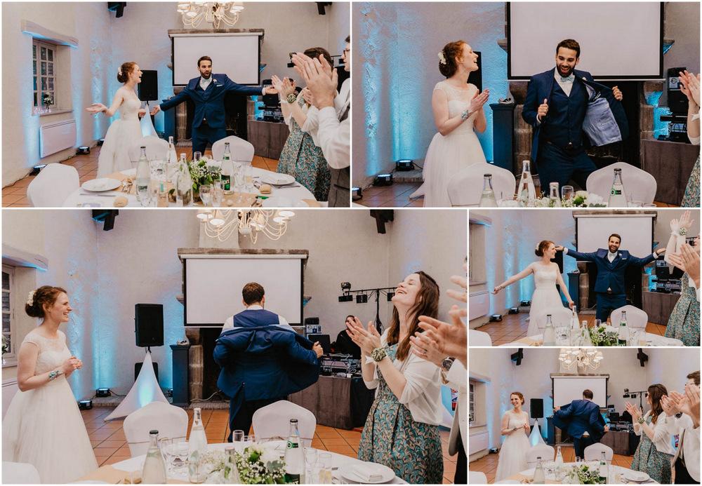 arrivee des maries - salle de reception du manoir de vacheresses - photographe mariage - eure et loir - yvelines - chartres