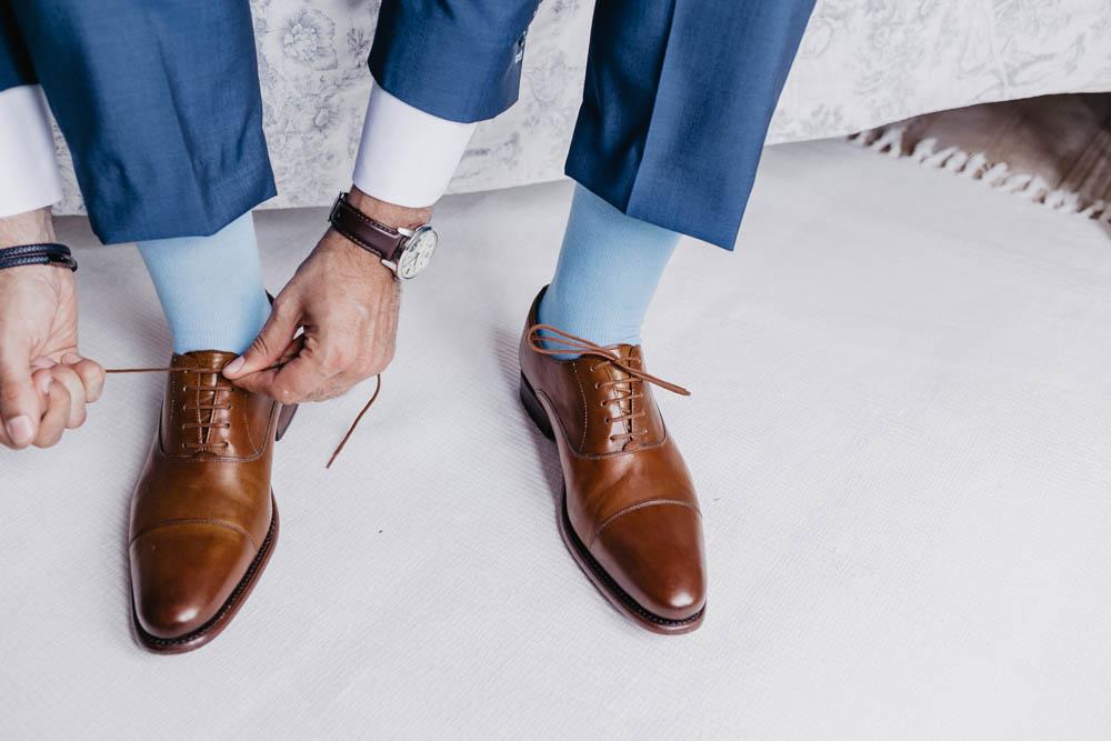 chaussures du marie - finsbury - preparation du marie - clos du marie - photographe en eure et loir