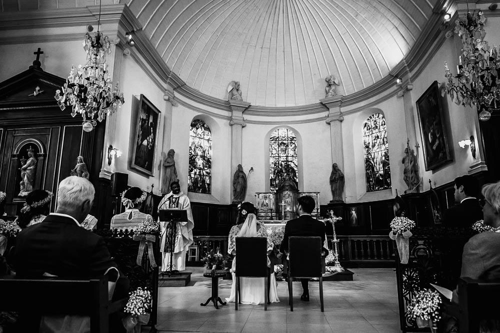 celebration de mariage religieux - eglise saint nicolas de la ferte vidame - photographe mariage chartres - verneuil sur avre - noir & blanc - evreux