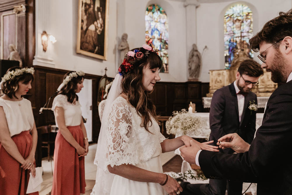 echange des alliances - mariage religieux - ceremonie - eglise de la ferte vidame - photographe mariage verneuil sur avre - evreux - perche - orne - chartres - eure et loir