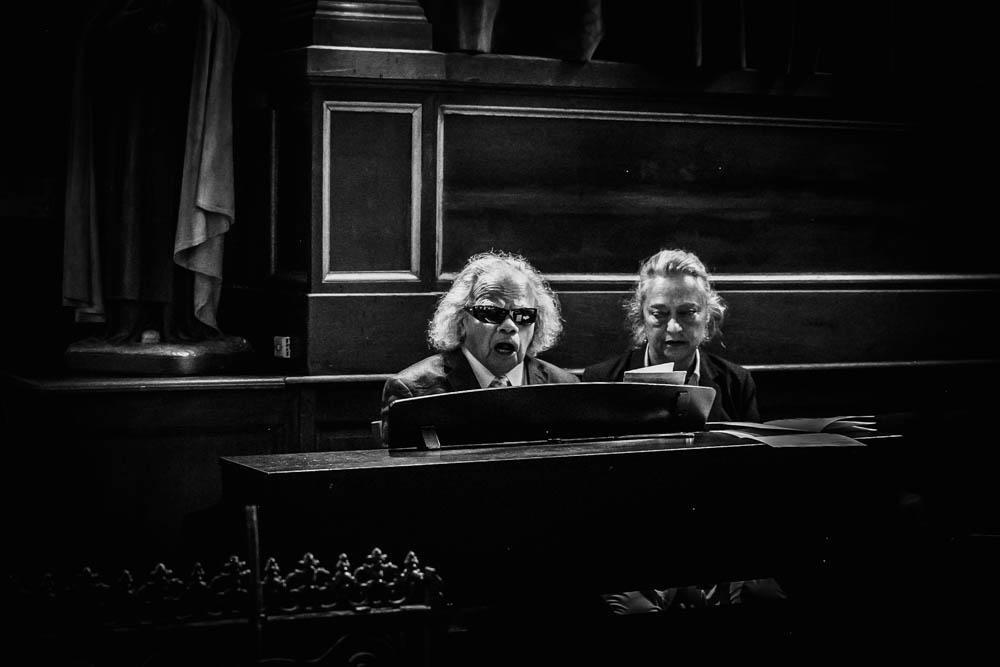 photo noir & blanc - organiste - eglise saint nicolas de la ferte vidame - photographe verneuil sur avre - eure et loir - chartres - evreux - perche