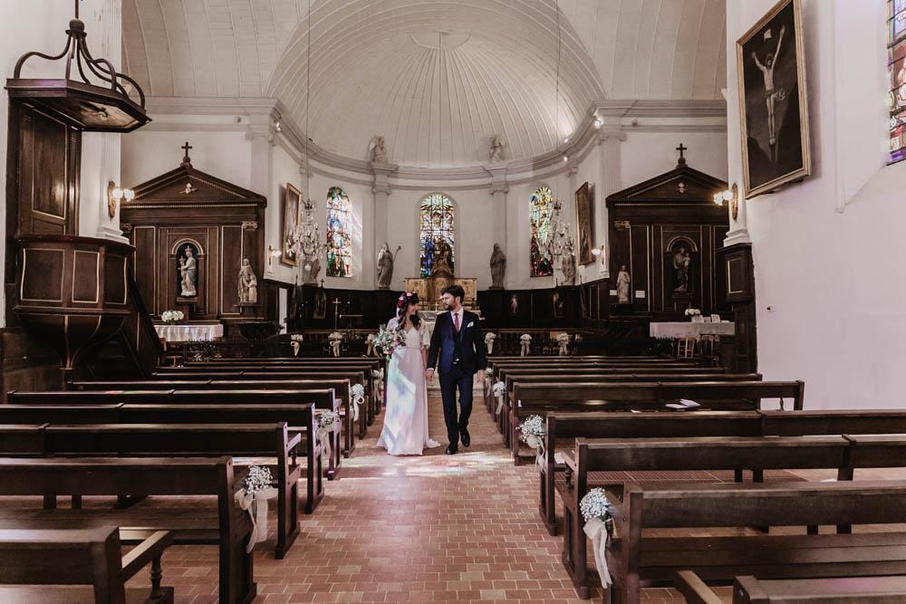 maries sortent de leglise - ferte vidame - photographe eure et loir - chartres - verneuil sur avre - ceremonie religieuse - mariage