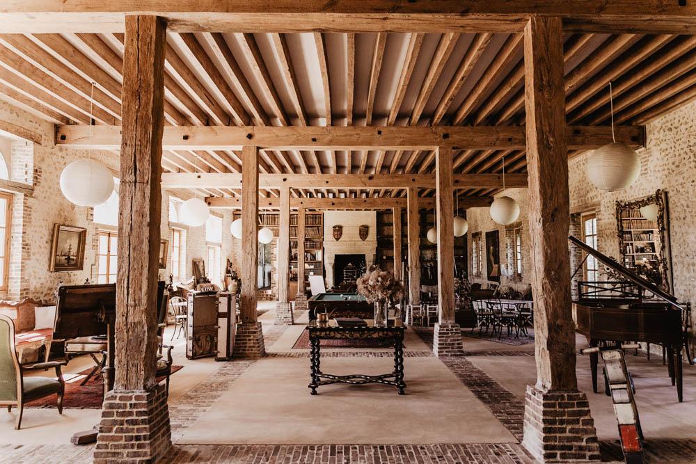 domaine des evis dans le perche - photographe mariage - eure et loir - verneuil sur avre - evreux - chartres - orne - billard - poutres en bois