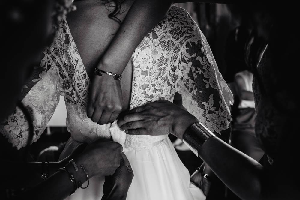 mariage au domaine des evis - robe de mariee boheme - photographe mariage - photos noir et blanc - dentelles - chic - chartres - evreux - verneuil sur avre