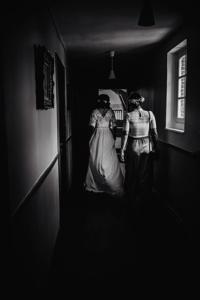 la mariee est prete - robe de mariee - domaine des evis - photographe eure et loir - verneuil sur avre - eure et loir - perche - chartres